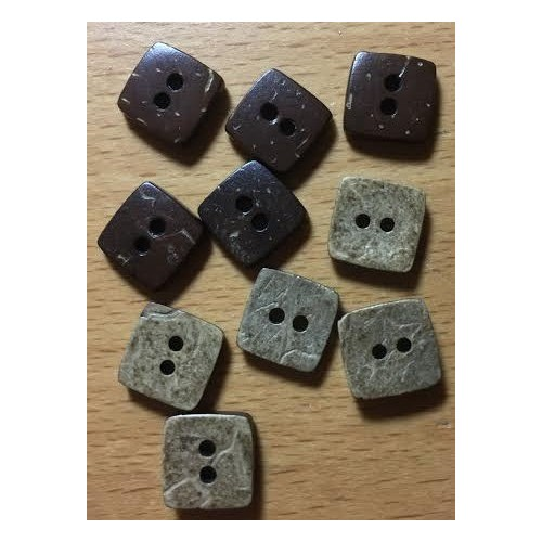 Firkantede kokosnødde knapper. Pose med 10 knapper. 10mm