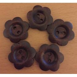 Blomsterknap i mørkebrun træ. Pose med 5 knapper. 25mm