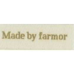 "Image of   Label ""made by farmor"" 5 x 2 cm i beige garn stof labels beige"
