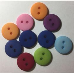 Rund plastikknap. Pose med 10 knapper i blandede matte farver 15mm