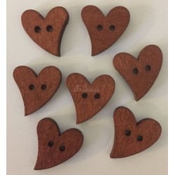 Brun hjerteknap i træ. Pose med 7 knapper, 20mm