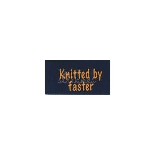 "Label ""knitted by faster"" 5 x 2 cm i blå"
