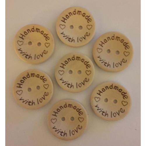 """Træknap natur med tekst """"Handmade with love"""". Pose med 7 knapper, 25mm"""