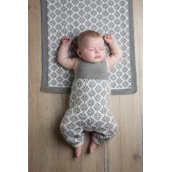 """""""Flora"""" Tæppe 50cm x 60cm - Knøttestrikk 48-1 Kit - Viking Baby Ull"""