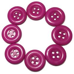 Cerise farvede plastikknapper. Pose med 8 knapper. Størrelse 15mm