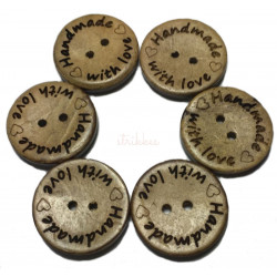 "Kokosnød knap med tekst ""handmade with love"". Pose med 6 knapper, 20mm"