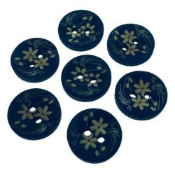 Mørkeblå træknap med blomstermotiv. Pose med 7 knapper, 15mm