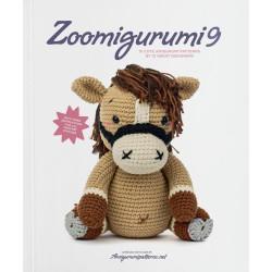 Zoomigurumi 9, 16 søde dyr - 11,5 -30 cm, engelsk