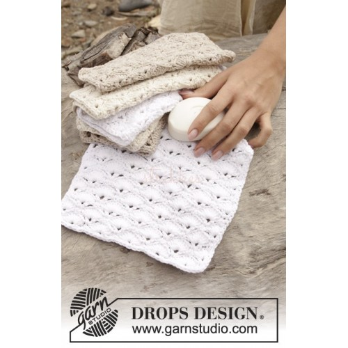 Warm And Soothing by DROPS Design One-size DROPS COTTON LIGHT