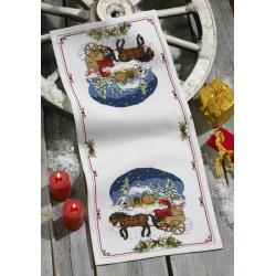 Julebordløber, hestevogn med nisse. 36 cm x 81 cm