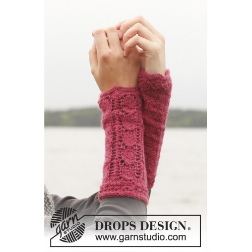 Raspberry Sorbet Wrist Warmers by DROPS Design One-size DROPS ALPACA