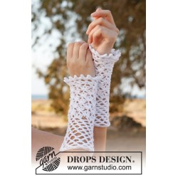 Myrtle by DROPS Design One-size DROPS SAFRAN