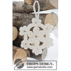 White Christmas by DROPS Design Højde: ca 8 cm DROPS FABEL
