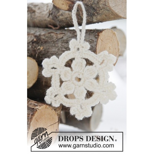 White Christmas by DROPS Design Højde: ca 8 cm DROPS FABEL