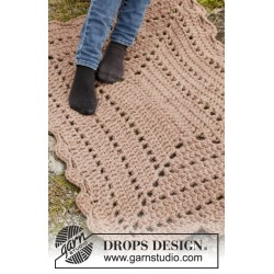 Biscuit by drops design one-size drops polaris garn drops 151 kit