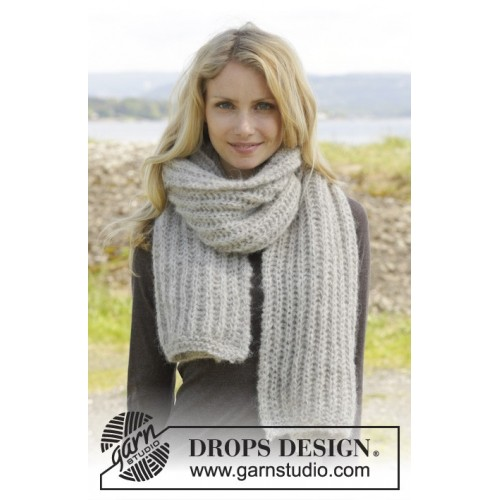 Grey Mist by DROPS Design One size. DROPS BRUSHED ALPACA SILK