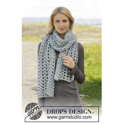 Sunday Susie by DROPS Design Bredde: 33 cm. Længde: 174 cm. DROPS MERINO EXTRA FINE