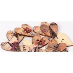 Hjerteknapper i træ med forskellige seværdigheder. Pose med 10 knapper, 25x28mm