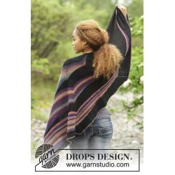 Colours in the Dark by DROPS Design Længde midt på: ca 47 cm. Bredde øverst: ca 180 cm. DROPS DELIGHT/DROPS ALPACA
