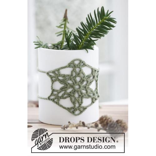 Jolly Holly by DROPS Design ca 9 x 9 cm. DROPS BABY MERINO