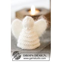 Christmas Cherub by DROPS Design Højde: ca 7,5 cm. Omkreds nederst: ca 14 cm. DROPS COTTON MERINO/DROPS KID-SILK